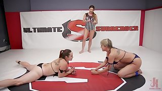 Rough fucking apropos a strapon between Dee Williams and Bella Rossi