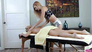 A hot MILF experiences an orgasmic rub down with an increment of become absent-minded sweltering woman is so sweet