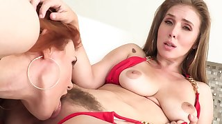 Lesbians touch and lick nipples before cumming with cunnilingus
