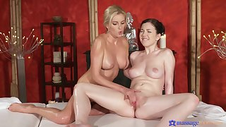 Sensual oral lovemaking in 69 pose with Bianca Bennet & Daphne Angel
