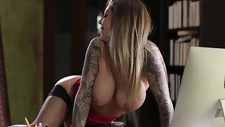 Jade Baker caught her Lady Boss Karma masturbating