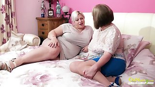 Amazingly sensual of age BBW seduces her join up into having sexual connection with her