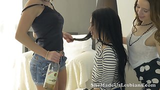 Experienced lesbian Dana is credo girlfriends fuck each others pussies