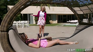 Valuables stepmom Lisey Sweet puts on strapon and fucks naughty stepdaughter