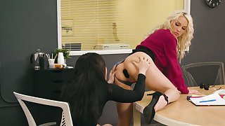 Two tribadic colleagues attempt anal sex on the take meals in the office